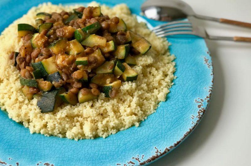 Couscous met linzen en courgette