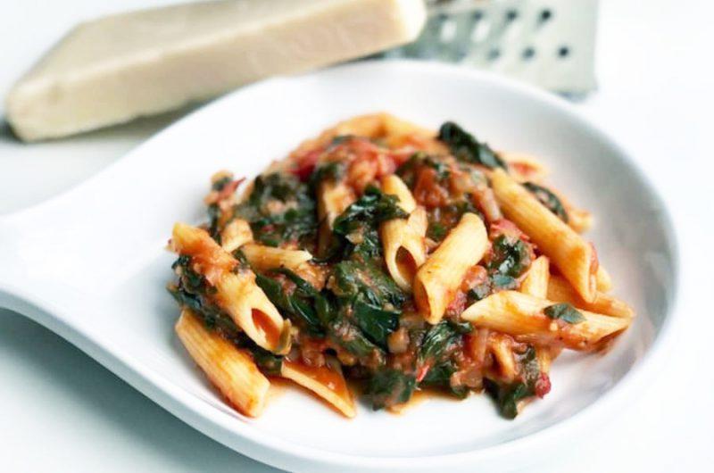 Pasta met spinazie en tomaat