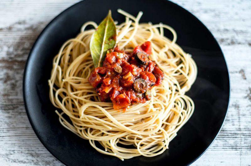 spaghetti puttanesca vegan