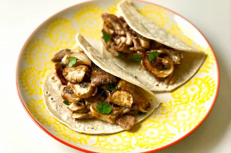 Wraps met rundvlees en champignons
